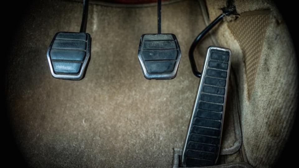 Renault 5 Turbo ve vzácné verzi Evolution. 43