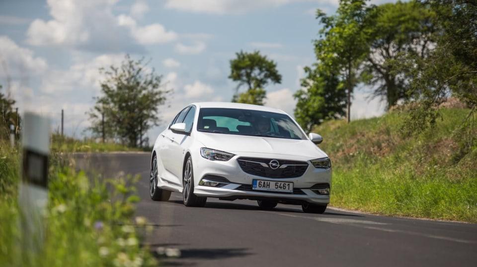 Opel Insignia Grand Sport 2.0 Turbo 4x4 jízda 9