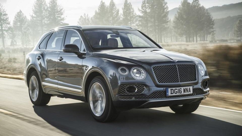 Luxusní dvanáctiválcové SUV Bentley Bentayga. 1