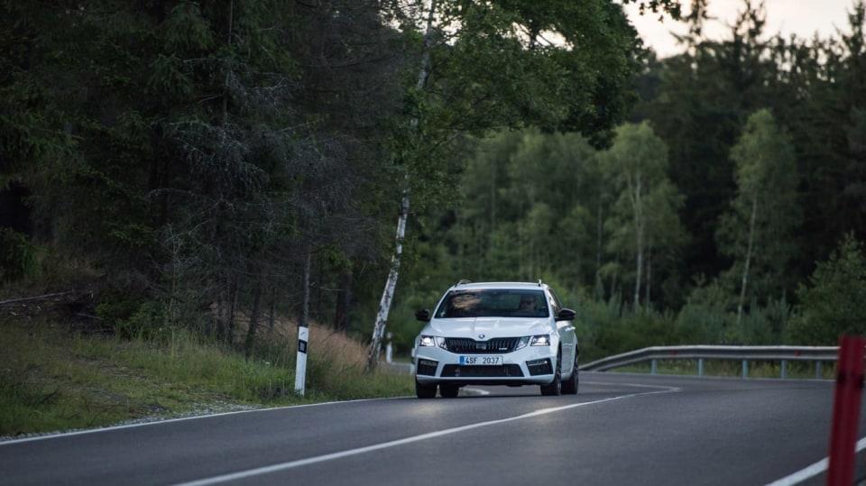 Nová Škoda Octavia RS 245 v pohybu. 14