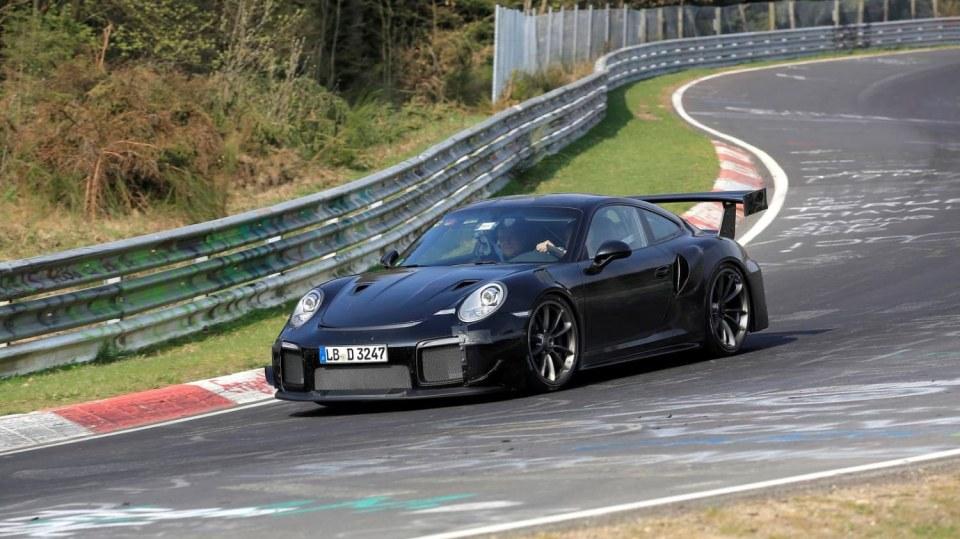 Porsche 911 GT2 RS 7