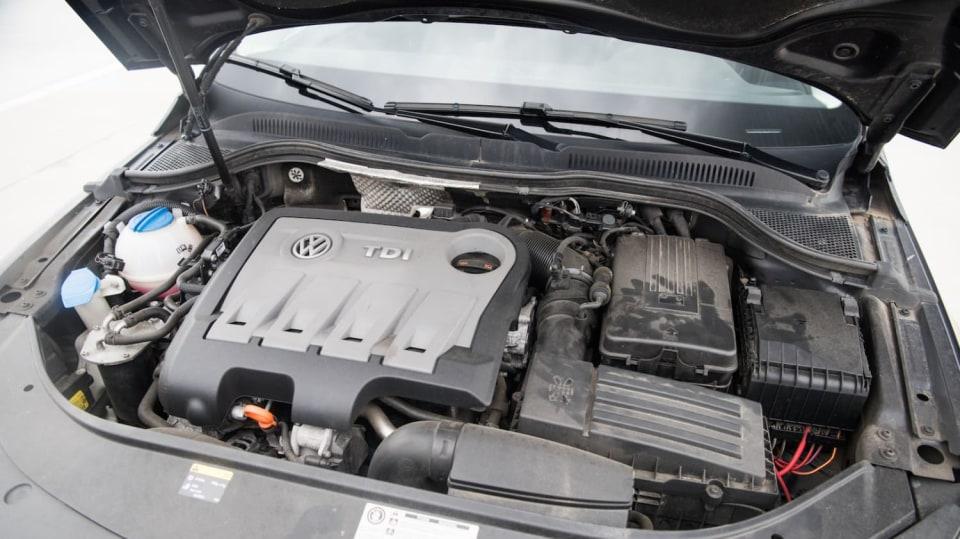 Ojetý Volkswagen CC interiér 11