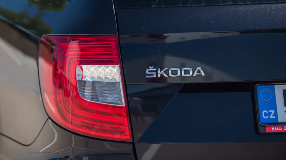 Škoda Superb Combi 2014 7