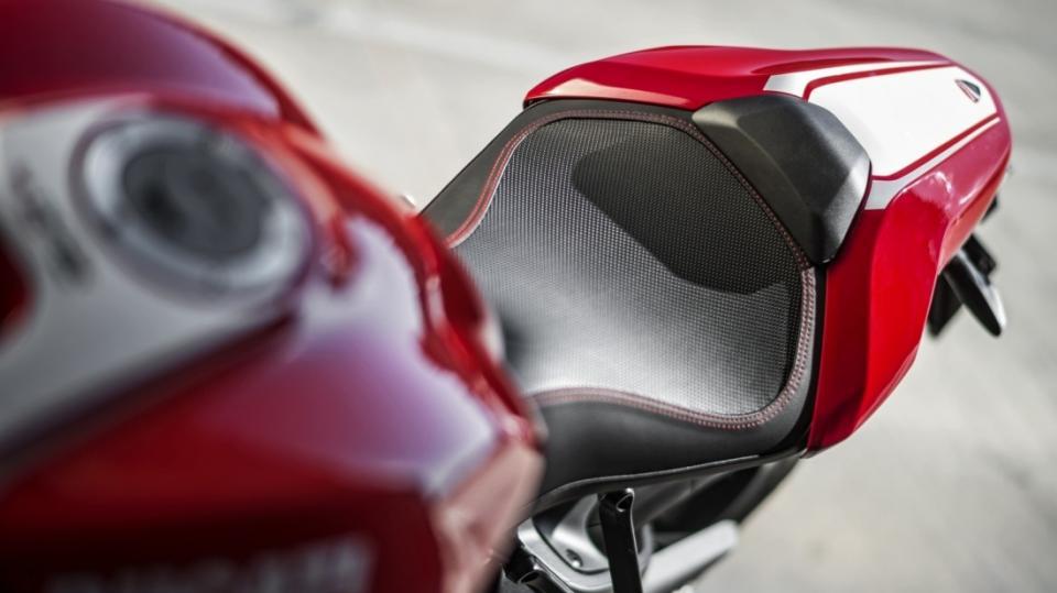 Ducati Monster 1200R - Obrázek 8