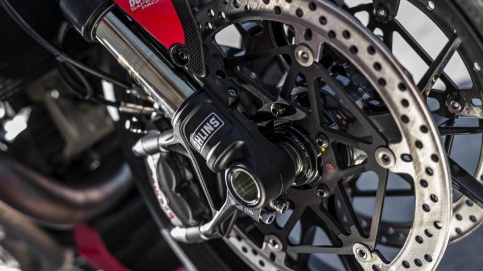 Ducati Monster 1200R - Obrázek 11