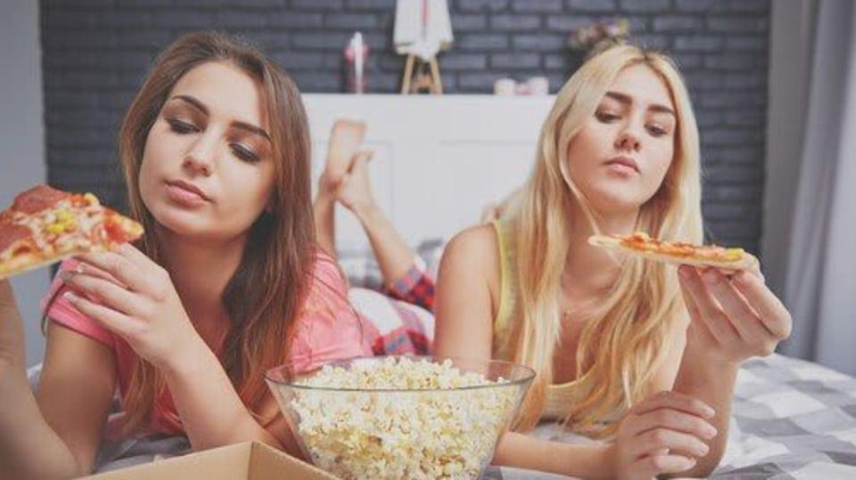 girls eat