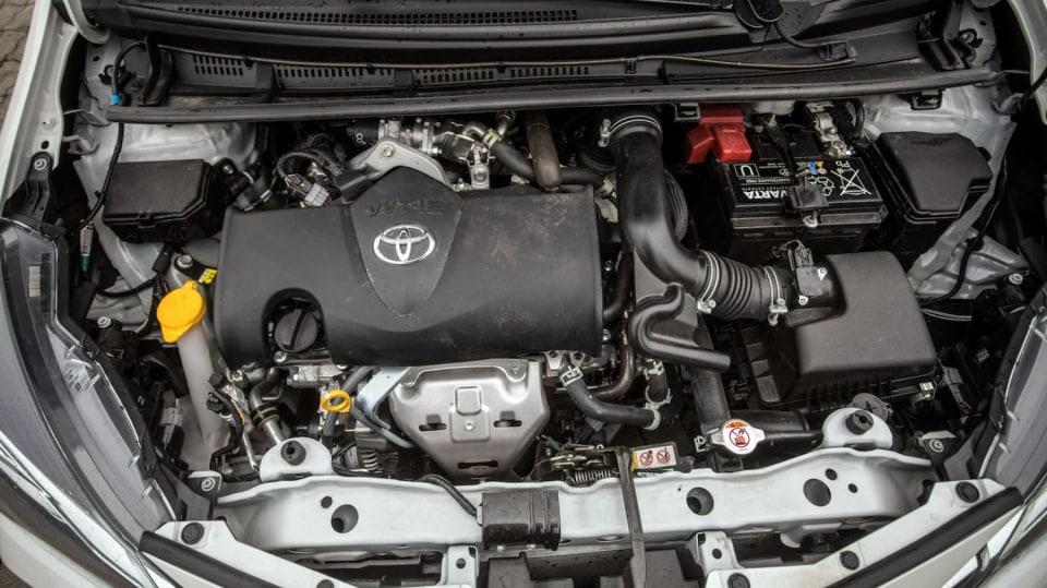 Toyota Yaris 1.5 VVT-iE interiér 14