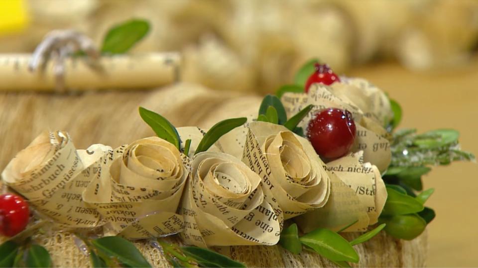 Vánoční dekorace z papírových růžiček