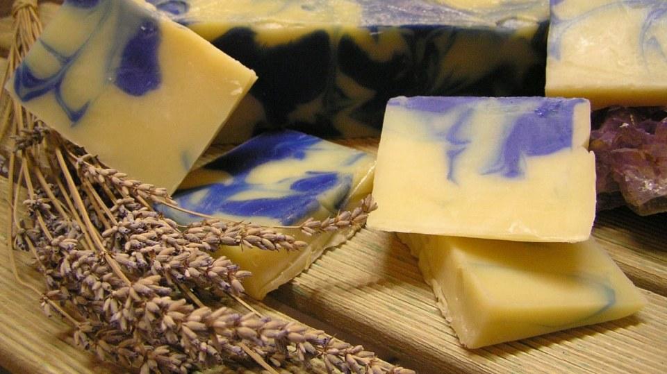 Zaručený recept na domácí levandulové mýdlo