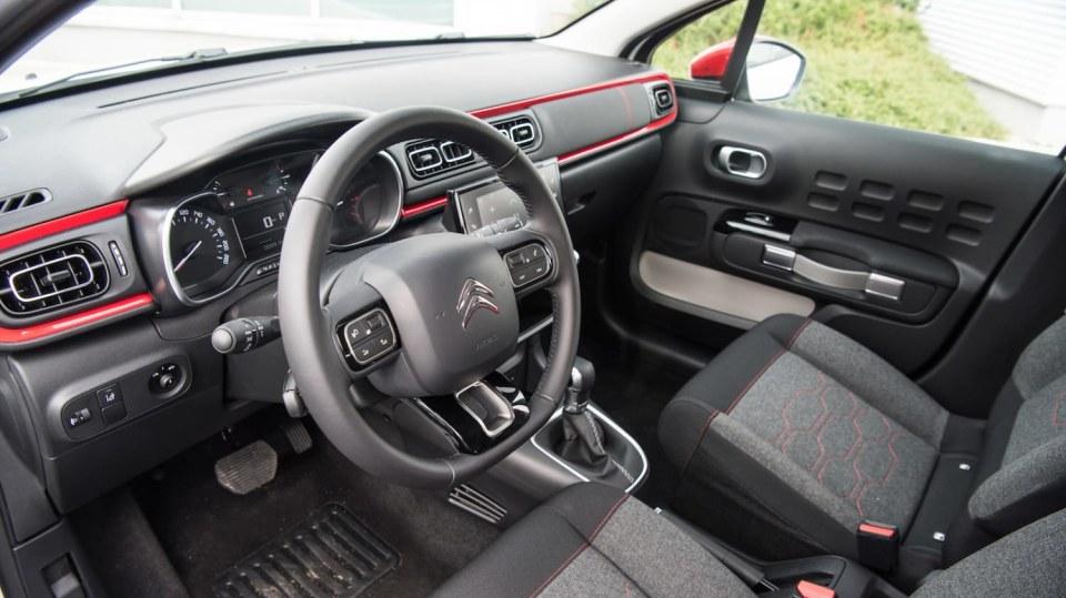 Citroën C3 1.2 PureTech interiér 1