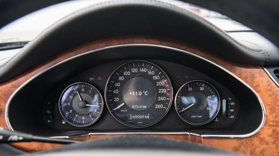 Mercedes-Benz CLS 320 CDI interiér 5