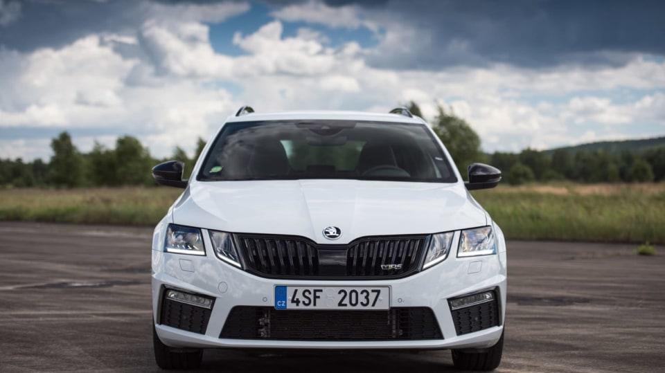 Nová Škoda Octavia RS 245 hezky zblízka. 5
