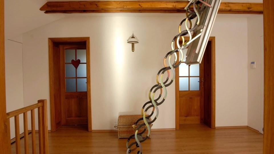 Stahovací půdní schody