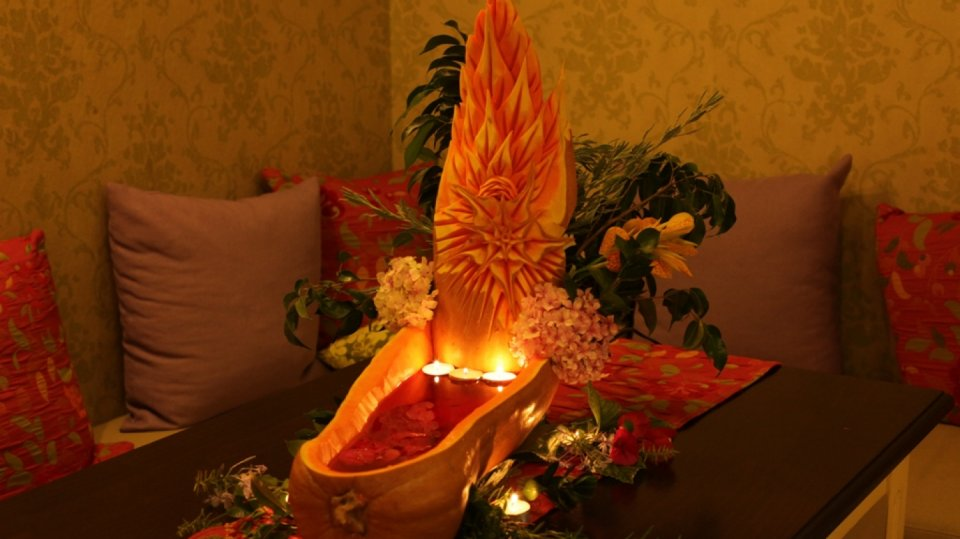 Parádní podzimní dekorace z větší dýně 10