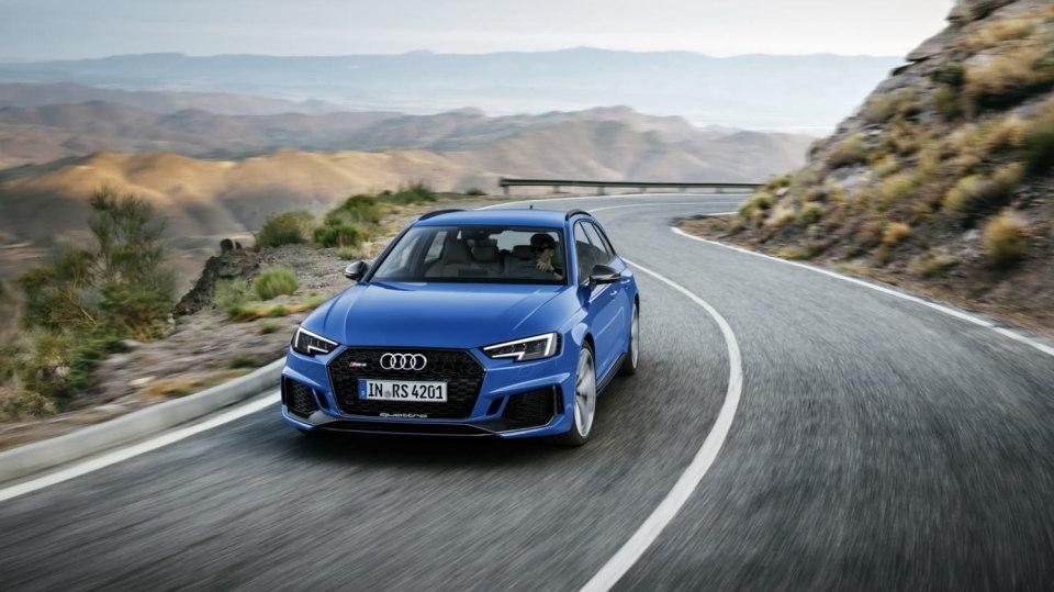 Audi RS4 Avant 8