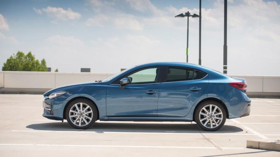 Mazda 3 Sedan po faceliftu 4