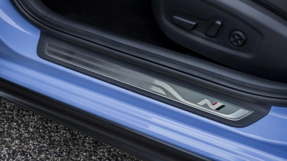 Prohlédněte si ostrý hatchback Hyundai i30 N do detailu. 15
