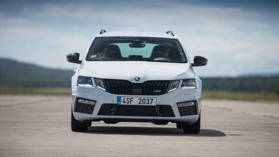 Nová Škoda Octavia RS 245 hezky zblízka. 20