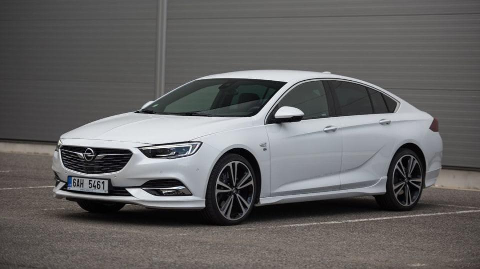 Opel Insignia Grand Sport 2.0 Turbo 4x4 exteriér 3