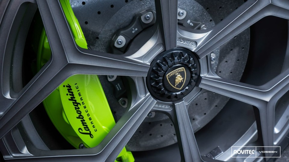 Lamborghini Aventador LP 750-4 SV Roadster od Novitec 13