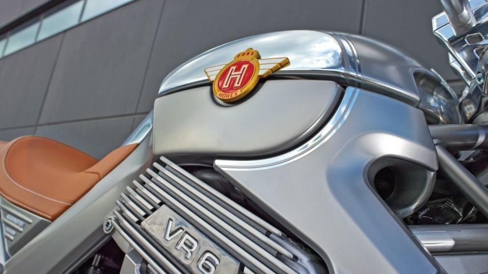 Horex VR6 Silver Edition - Obrázek 9