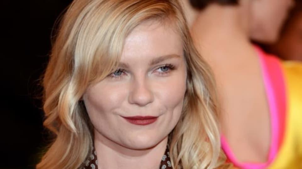 Svým výstřihem způsobila Kirsten Dunst rozruch