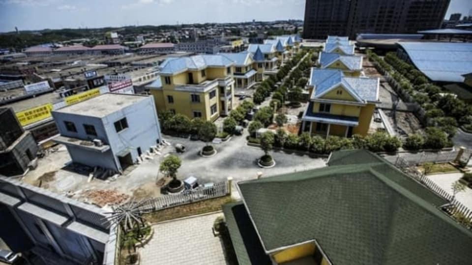 Domy na střechách domů  - Obrázek 10