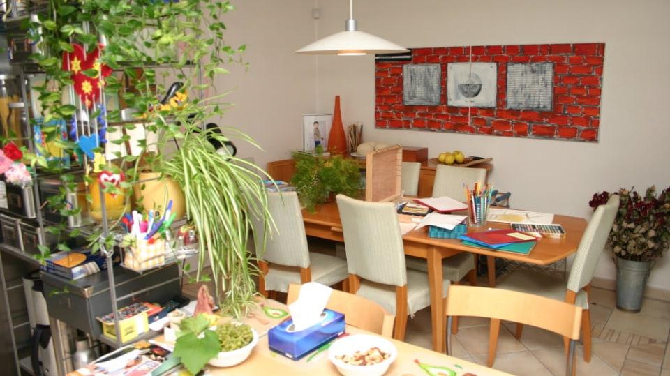 Květiny, barvy, obrázky vytvářely útulnost Ivetina domova