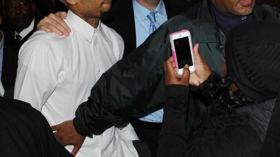 Chris Brown si na zatčení už pomalu zvyknul
