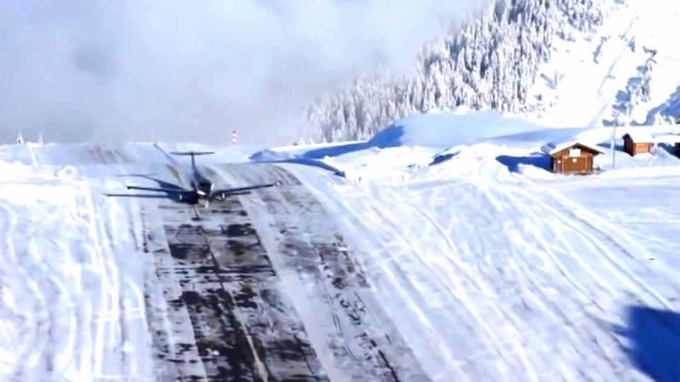 Letadlo přistávající v Courchevel... tak tomu se říká adrenalin...