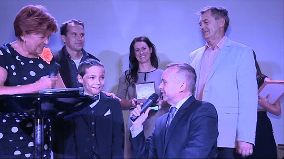 Video VIP zprávy: Zuzana Baudyšová se kdysi rozhodla pomáhat a pomáhá dětem již 20 let