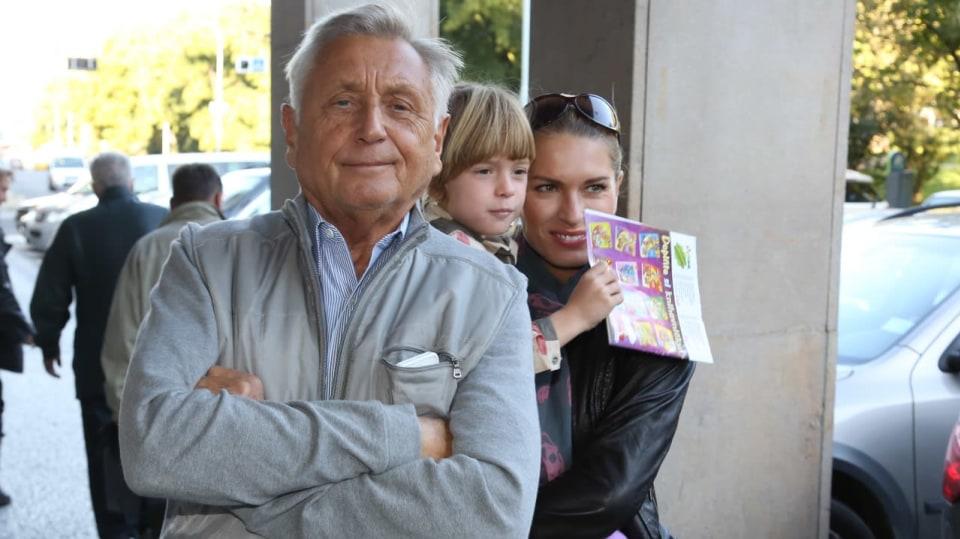 Spokojená rodina: Olga a Jiří Menzelovi s dcerou Aničkou