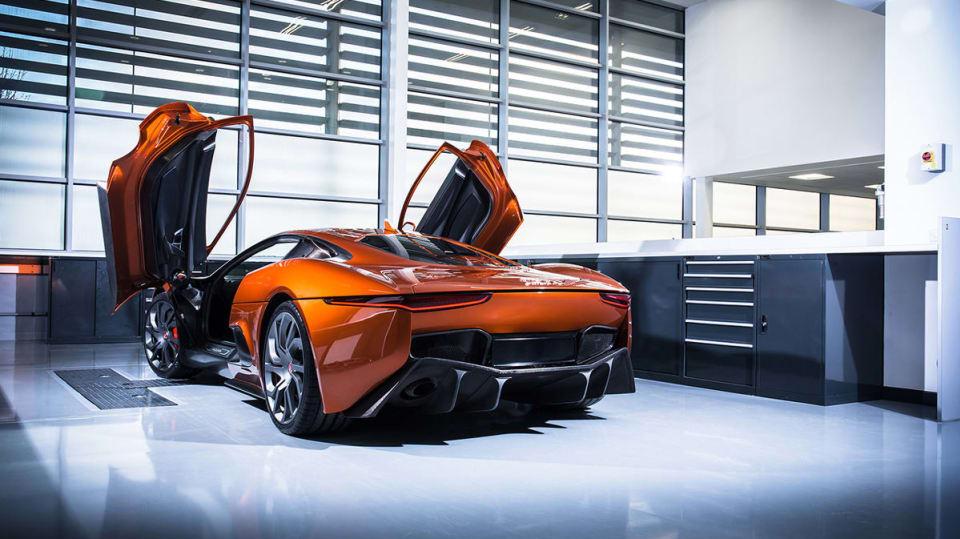 Auta z nového Jamese Bonda v akci - Obrázek 15