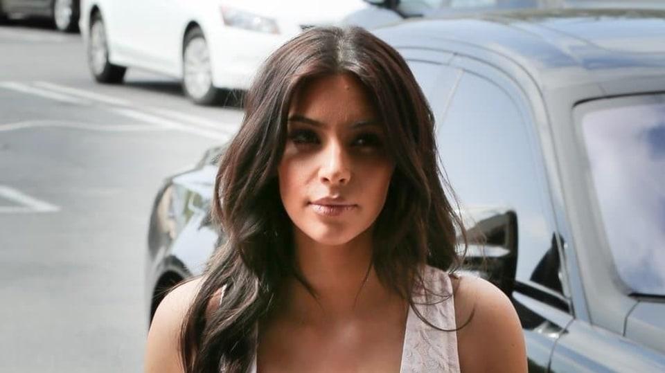 """Kim Kardashian a její """"výbava"""""""