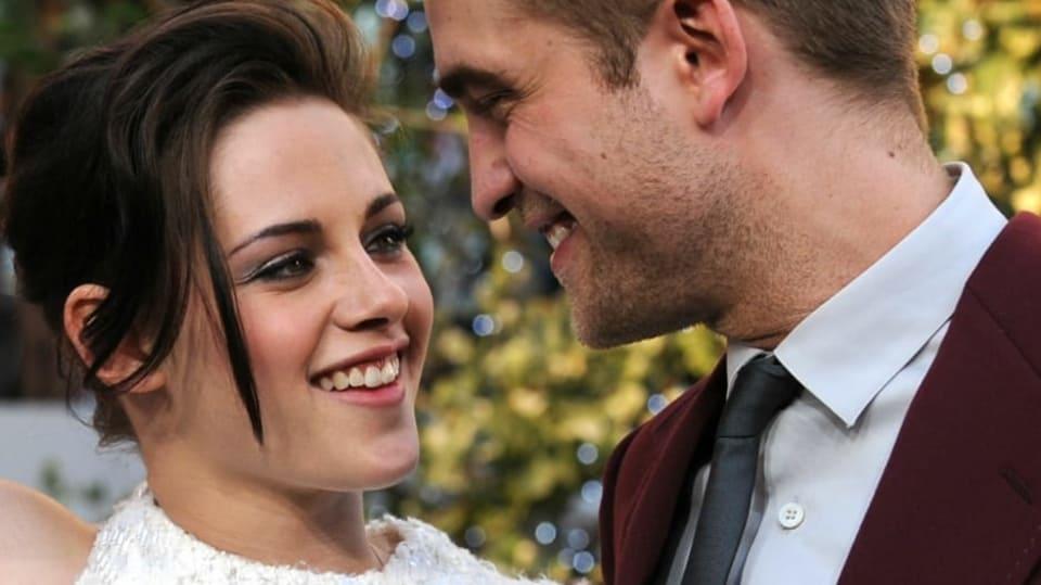 Robert Pattinson a jeho filmová i skutečná láska Kristen Stewart, bohužel už jen bývalá, ale kdo ví...