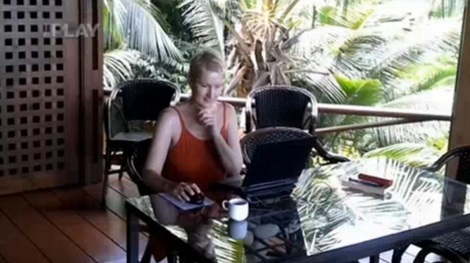 video VIP zprávy: Tak tahle dáma začala pořádně psát až tady, na Seychelských ostrovech. A taky se tu zamilovala!