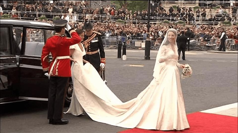 Video VIP zprávy: Kate Middleton ve svatebním
