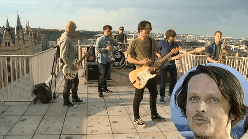 Video VIP zprávy: Veselí Chinaski točí smutnou píseň