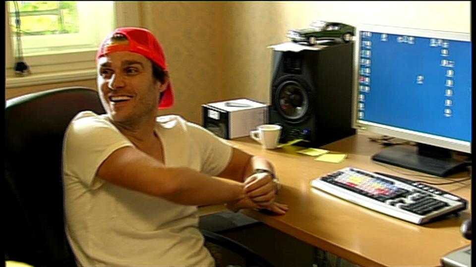 Video VIP zprávy: Leoš Mareš se učí pracovat s počítačem