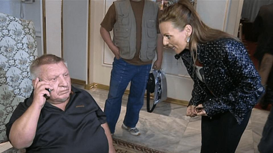 Video VIP zprávy: Konfrontace v přímém přenosu. Zpěvačka Olivíe Žižková přišla osočit na tiskovku Jiřího Krytináře
