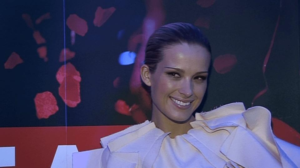 Video VIP zprávy: Topmodelka Petra Němcová měla při příletu do Prahy pěknou smůlu