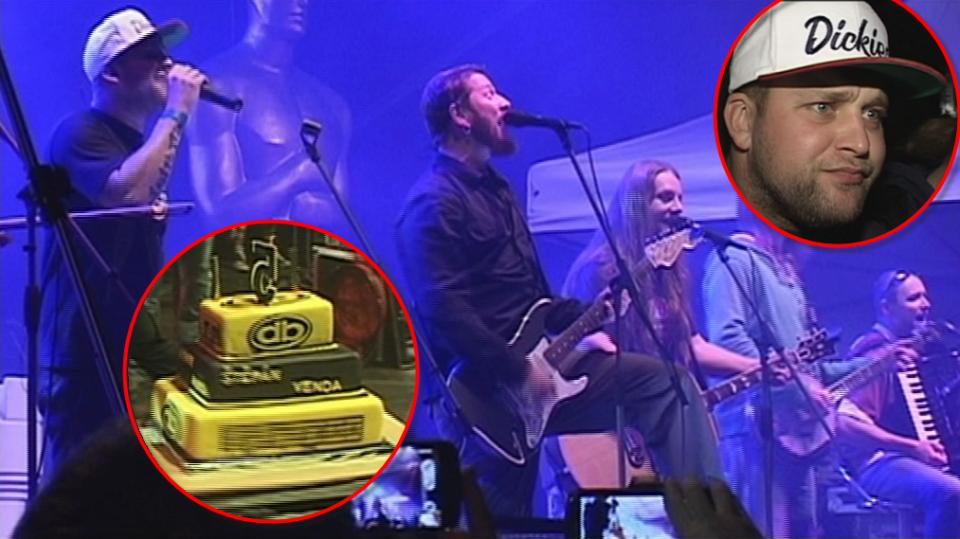 Video VIP zprávy: Skupina Divokej Bill má zlato - a dostala dort!