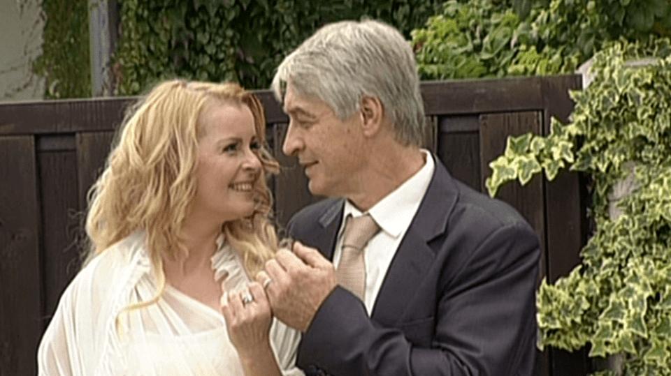 Video VIP zprávy: iveta Bartošová se vdala za Josefa Rychtáře. Svatba byla malá, nezúčastnila se jí ani nejbližší rodina