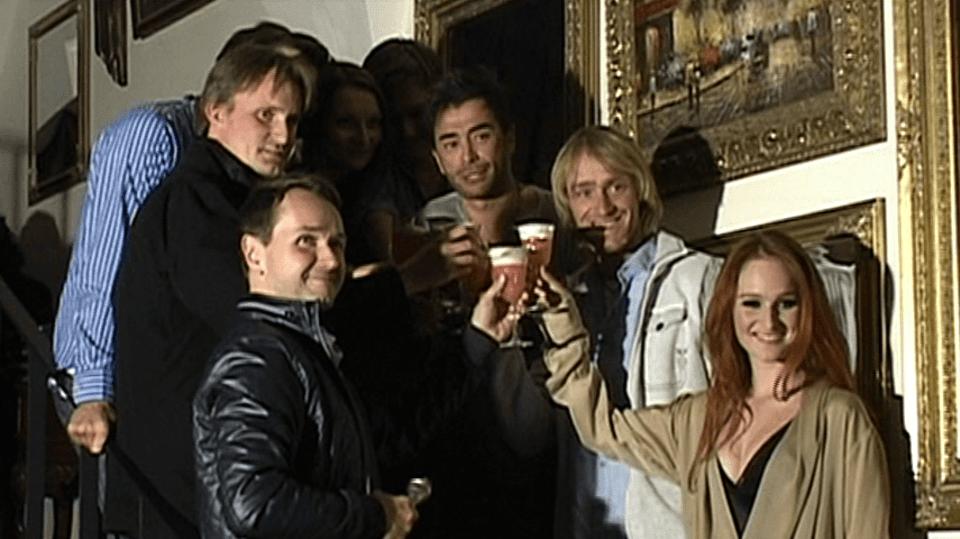Video VIP zprávy: Zpěvačka Tereza Vágnerová pokřtila své nové album za asistence celé své slavné rodiny