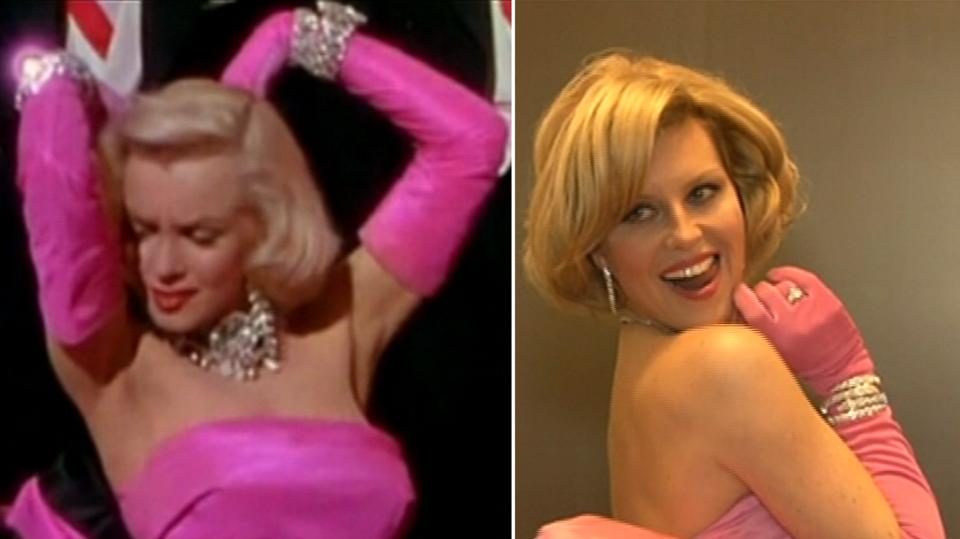 Video VIP zprávy: Modelka Simona Krainová oblékla šaty, v kterých vystupovala Marilyn Monroe. Jak jí sedly?