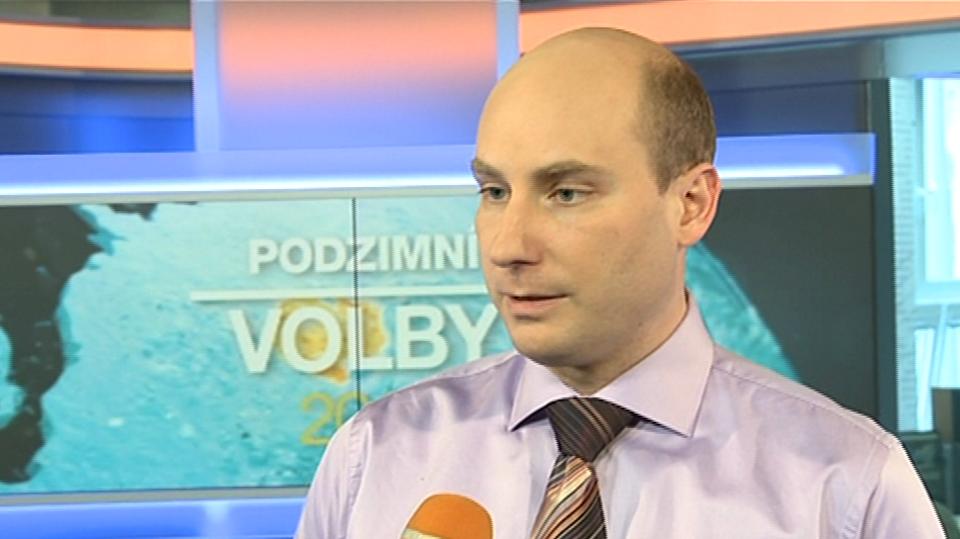 Video VIP zprávy: Moderátor Jan Punčochář musí po svém návratu na televizní obrazovky hubnout. Nevejde se do oblečení!