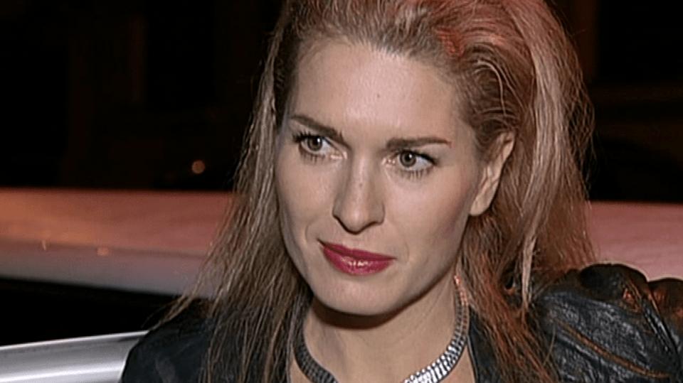 Video VIP zprávy:Olga Menzelová sleduje módní trendy - na vlasy si nechala udělat růžový přeliv!