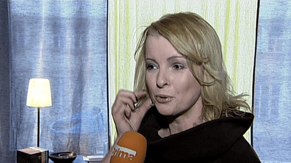 Video VIP zprávy: Iveta Bartošová pracuje na svém vzhledu - místo tří chybějících zubů teď bude mít nové a zase krásný úsměv