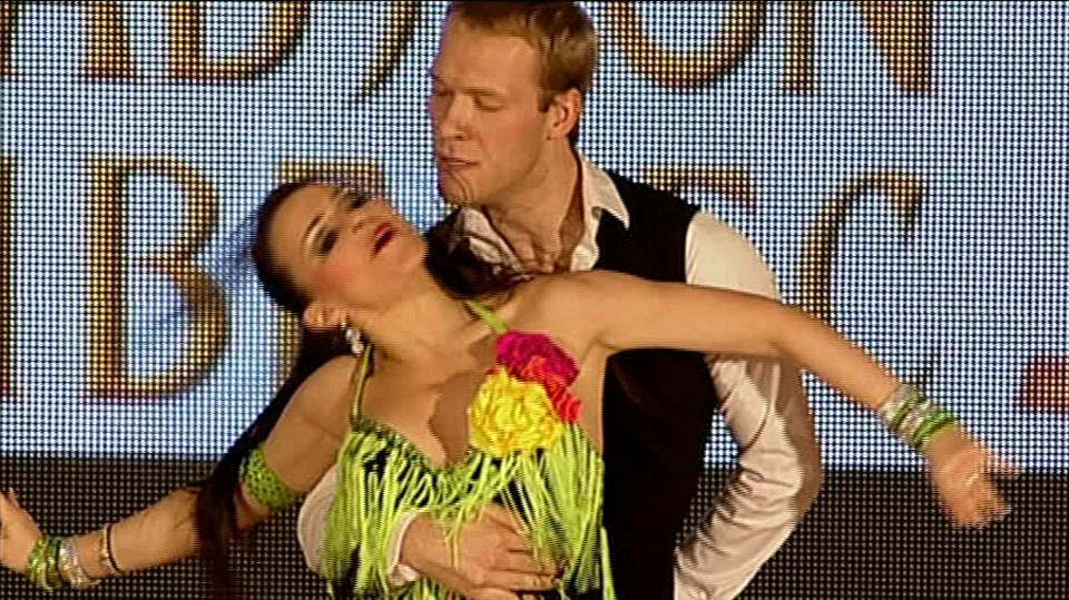 Video VIP zprávy: Salsa je prostě úchvatný tanec. Její základní kroky se prý dají naučit za pět minut!