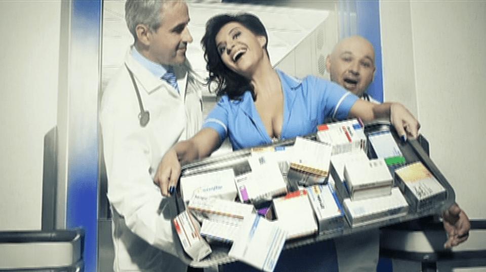 Video VIP zprávy: Operní zpěvačka Andrea Kalivodová se fotila v nemocnici. Pro charitu!